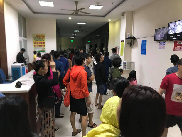 Hà Nội: Cháy lớn tại chung cư HH Linh Đàm, hàng nghìn người hoảng sợ tháo chạy vào sáng sớm - Ảnh 7.