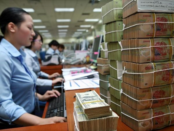 Khả năng chống chịu và ứng phó của Việt Nam nên thế nào trước các rủi ro bất ổn tài chính toàn cầu?  - Ảnh 2.