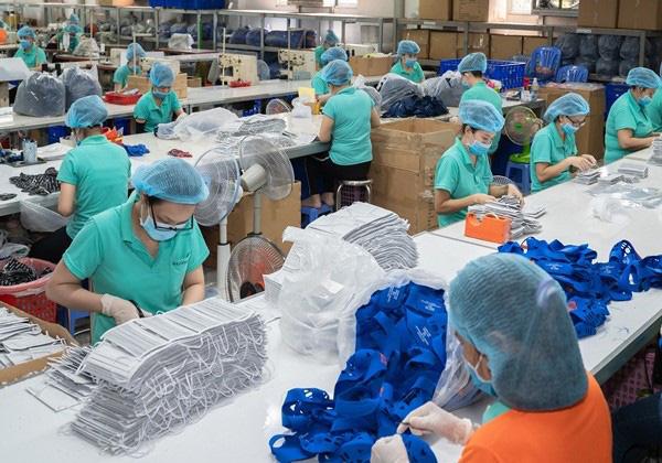 Xuất siêu kỷ lục 17 tỷ USD tạo động lực tăng trưởng kinh tế - Ảnh 2.