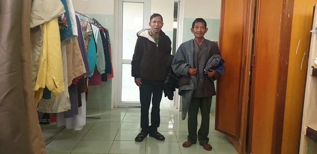 Ấm tình người cửa hàng 0 đồng ngay trong bệnh viện nơi biên giới Quảng Bình - Ảnh 2.