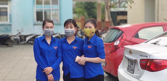 Ấm tình người cửa hàng 0 đồng ngay trong bệnh viện nơi biên giới Quảng Bình - Ảnh 9.
