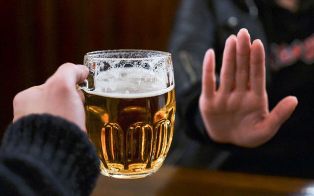 Từ 15/11, ép buộc người khác uống rượu bia bị phạt đến 3 triệu đồng - Ảnh 3.