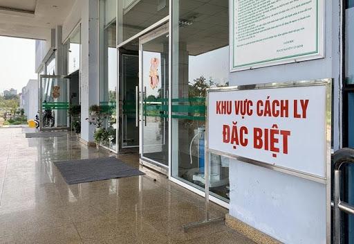 Nữ du học sinh nhập cảnh từ Anh mắc COVID-19, Việt Nam có 1.098 bệnh nhân - Ảnh 1.