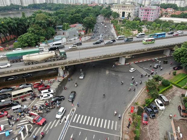 Chùm ảnh: Khánh thành cầu vượt thấp qua hồ Linh Đàm - Ảnh 11.