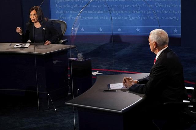 Kamala Harris - Mike Pence: Ai thắng trong cuộc tranh luận phó tổng thống?  - Ảnh 1.