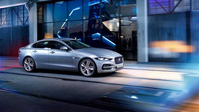 Ế hơn cả những xe khó bán, mẫu xe Jaguar này buộc bị khai tử  - Ảnh 1.