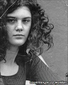 Cuộc đời được dựng thành phim của Liz Murray: Sống vô gia cư, cha mẹ nghiện ngập, phải ăn kem đánh răng chống đói đến sinh viên đại học Harvard - Ảnh 2.
