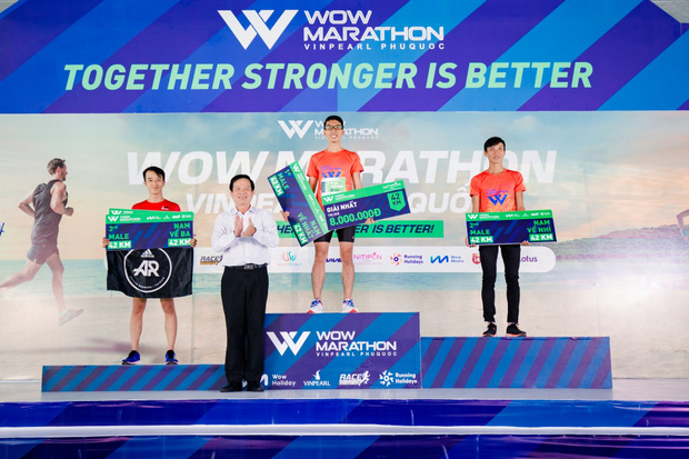 Đường đua WOW Marathon Vinpearl Phú Quốc - một mũi tên trúng nhiều đích: Vừa thoả cơn nghiện chạy, vừa tận hưởng trọn vẹn vẻ đẹp kỳ vĩ của đảo ngọc  - Ảnh 9.
