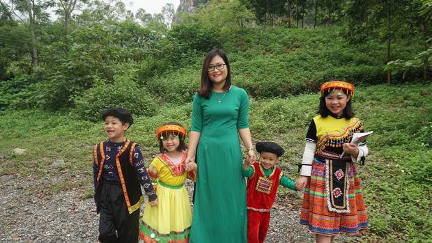 Cô giáo Việt Nam đầu tiên vào Top 10 giáo viên toàn cầu: Tôi có niềm tin kỳ lạ vào khả năng ngôn ngữ của học sinh miền núi - Ảnh 3.