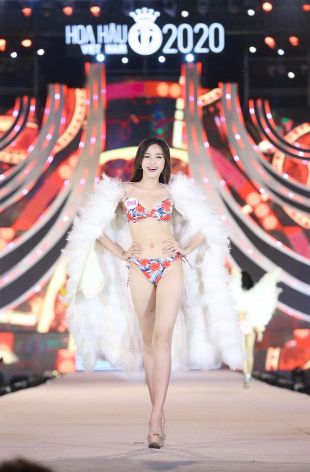 Cận cảnh nhan sắc Tân Hoa hậu Việt Nam 2020 Đỗ Thị Hà: Sinh viên ĐH Kinh tế Quốc dân chân dài kỉ lục 1m11, body nóng bỏng tay - Ảnh 2.
