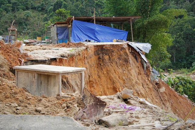 CLIP: Kinh hoàng cảnh tượng tan hoang tại Phước Thành sau 3 tuần cô lập  - Ảnh 6.