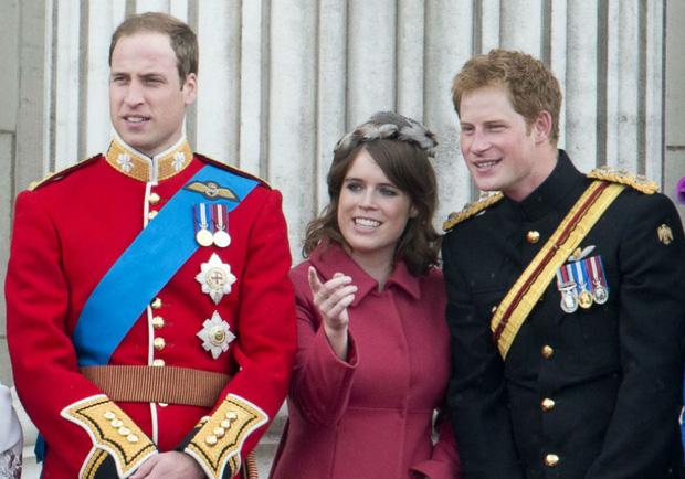 Hoàng gia Anh gây xôn xao khi có động thái ngay trong đêm nhằm dứt khoát loại bỏ vợ chồng Meghan Markle ra khỏi gia tộc - Ảnh 5.