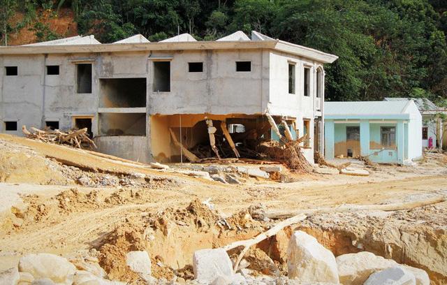 CLIP: Kinh hoàng cảnh tượng tan hoang tại Phước Thành sau 3 tuần cô lập  - Ảnh 8.