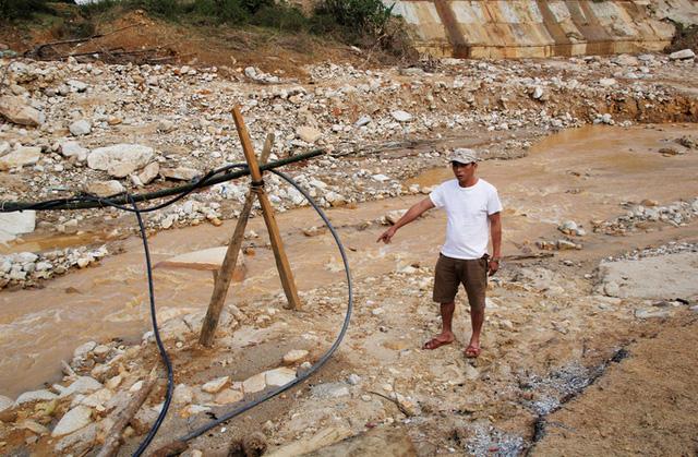 CLIP: Kinh hoàng cảnh tượng tan hoang tại Phước Thành sau 3 tuần cô lập  - Ảnh 10.