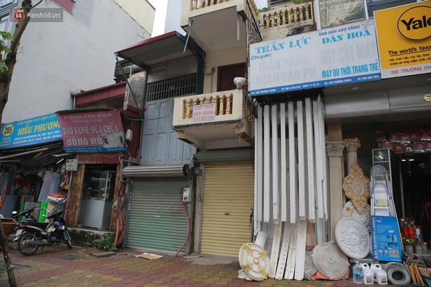 Ảnh: Cận cảnh những ngôi nhà siêu mỏng, siêu nhỏ ở đường Trường Chinh - Ảnh 4.