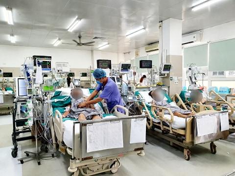 Bác sĩ BV Bạch Mai cảnh báo: Nhiều người đang gây nguy hại cho chính mình vì 1 thói quen xấu khó bỏ - Ảnh 1.
