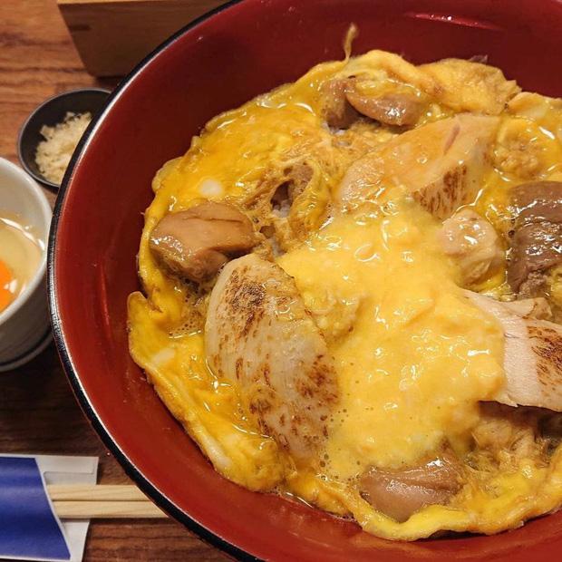 Chỉ bán cơm trứng nhưng nhà hàng Nhật này đã tồn tại suốt 250 năm, khách xếp hàng 4 tiếng cũng chưa chắc mua được - Ảnh 8.