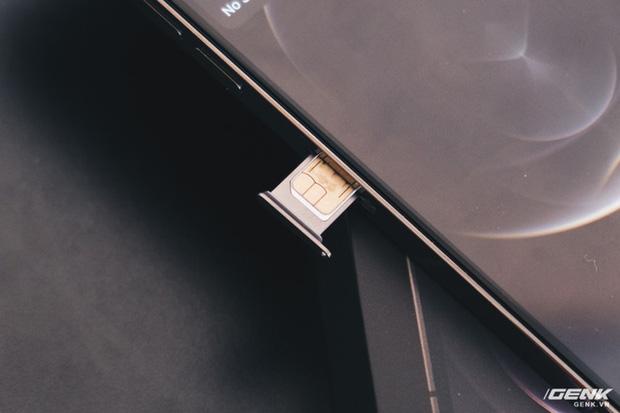 Mở hộp iPhone 12 Pro Max chính hãng VN/A đang khan hiếm hàng trên toàn quốc - Ảnh 10.