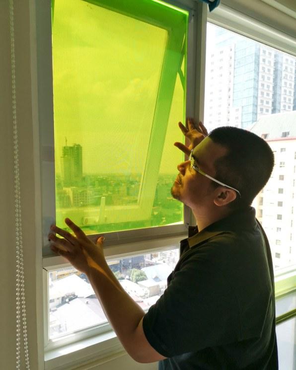 Công nghệ mới giúp tấm pin mặt trời tạo điện mà không cần nắng - Ảnh 2.