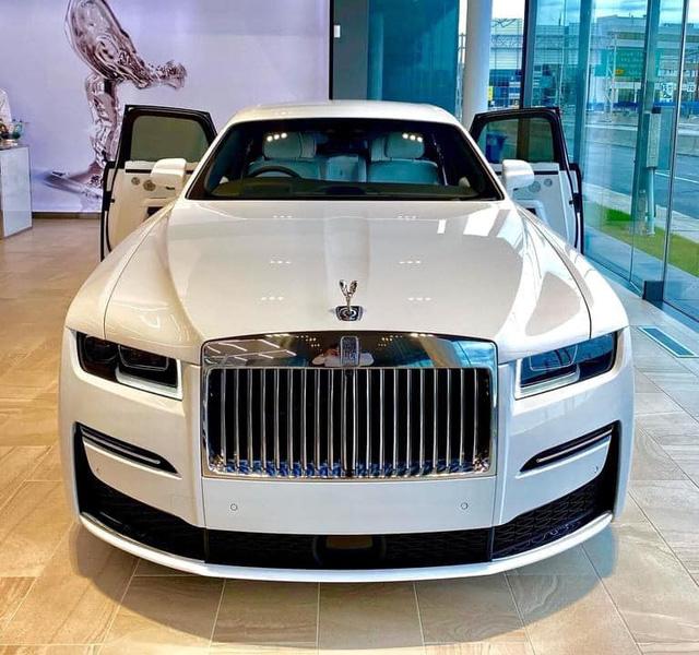 Rộ tin Rolls-Royce Ghost 2021 đầu tiên lên đường về Việt Nam, cập bến ngày đầu năm sau - Ảnh 3.
