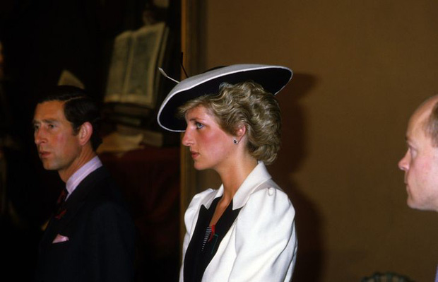 Được công nhận là nữ nhân Hoàng gia xinh đẹp nhất thế giới, chẳng ai biết Công nương Diana lại cực kỳ tự ti về tận 5 điểm trên cơ thể mình - Ảnh 6.