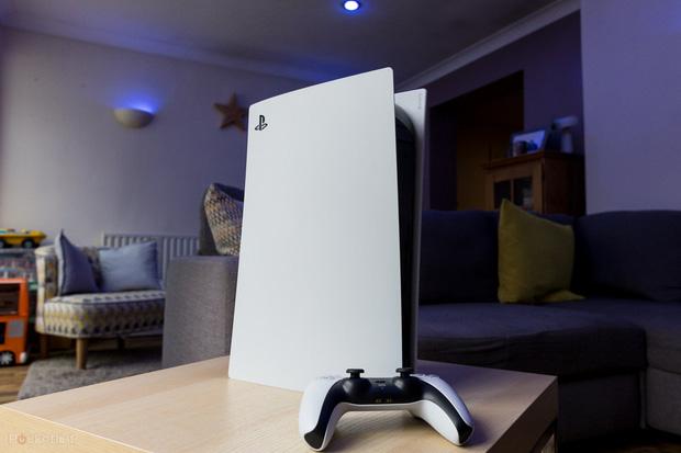 Gặp gỡ re-seller max ping nhất làng game: Bán 200 máy PlayStation 5 trong chưa đầy 1 tuần, thu về 40.000 USD - Ảnh 1.