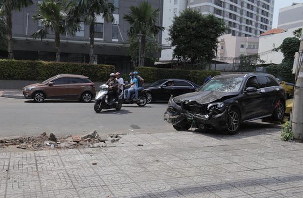 Ấn định ngày xét xử thanh niên phê ma túy lái Mercedes tông chết tài xế GrabBike, khiến nữ tiếp viên hàng không thương tật 79% - Ảnh 1.