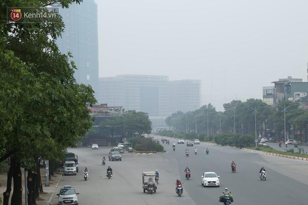 Hà Nội ô nhiễm không khí thuộc top đầu thế giới, chuyên gia khuyến cáo: Mọi người cần hạn chế ra ngoài, hạn chế mở cửa - Ảnh 3.