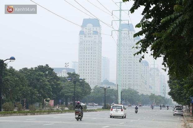 Hà Nội ô nhiễm không khí thuộc top đầu thế giới, chuyên gia khuyến cáo: Mọi người cần hạn chế ra ngoài, hạn chế mở cửa - Ảnh 4.