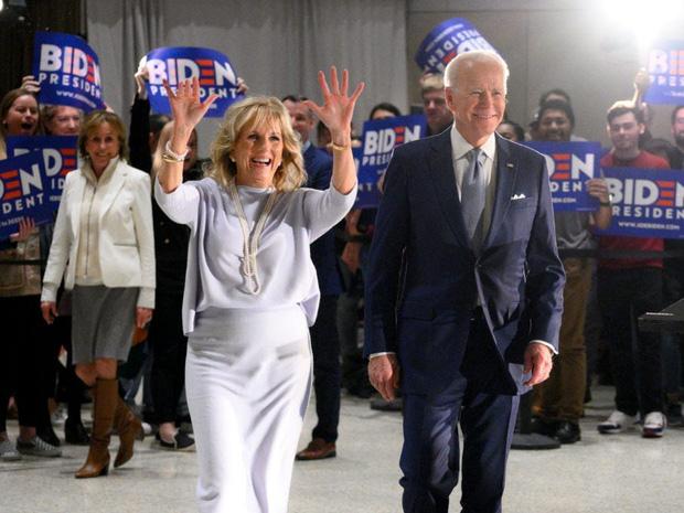 Hậu phương của ông Biden: Vị phu nhân gần 70 tuổi sắc nước hương trời với gu thời trang thanh lịch, giản dị đậm nét Hoàng gia - Ảnh 9.