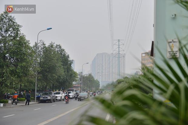 Hà Nội ô nhiễm không khí thuộc top đầu thế giới, chuyên gia khuyến cáo: Mọi người cần hạn chế ra ngoài, hạn chế mở cửa - Ảnh 10.