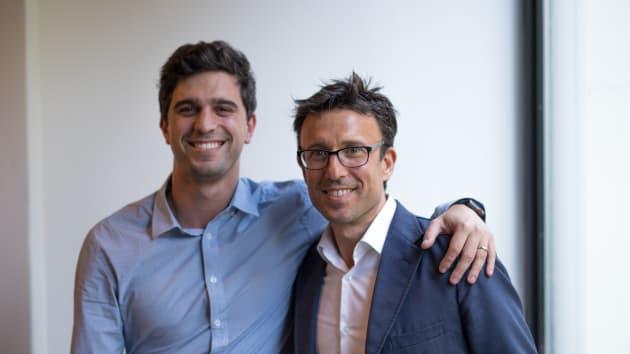 Nghe lời sếp cũ, chàng trai nghỉ việc làm thuê để kinh doanh và trở thành tỷ phú tự thân trẻ nhất nước Úc ở tuổi 30 - Ảnh 1.