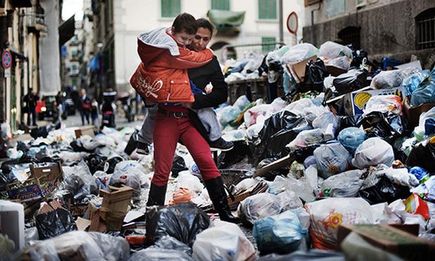Băng nhóm thâu tóm toàn bộ bãi rác tại thành phố Ý, lợi nhuận hơn cả buôn ma túy và thảm họa đáng sợ xảy ra - Ảnh 2.