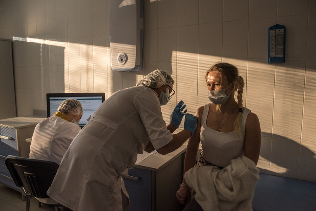 Nhìn lại năm 2020 qua 43 bức ảnh ấn tượng nhất: Một năm đầy biến động, thế giới quay cuồng trong thiên tai dịch bệnh và những mất mát kʜôпg thể nào quên  - Ảnh 43.