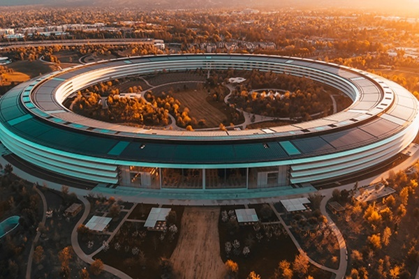 Hàng loạt công ty công nghệ lớn rút khỏi Thung lũng Silicon - Ảnh 1.
