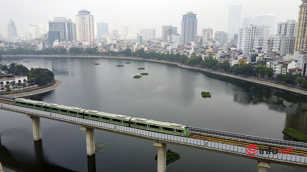 Hình ảnh đoàn tàu Cát Linh - Hà Đông trong ngày đầu chạy thử - Ảnh 1.