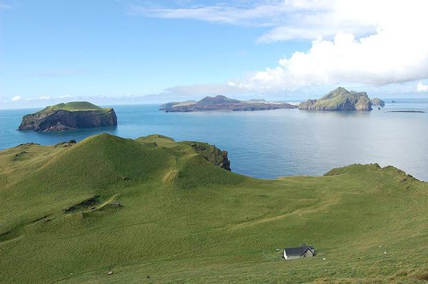 Sự thật về ngôi nhà cô độc bí ẩn nhất thế giới, nằm trơ trọi giữa hòn đảo hoang đẹp như tiên cảnh, khác xa với đồn đoán của dân mạng - Ảnh 5.