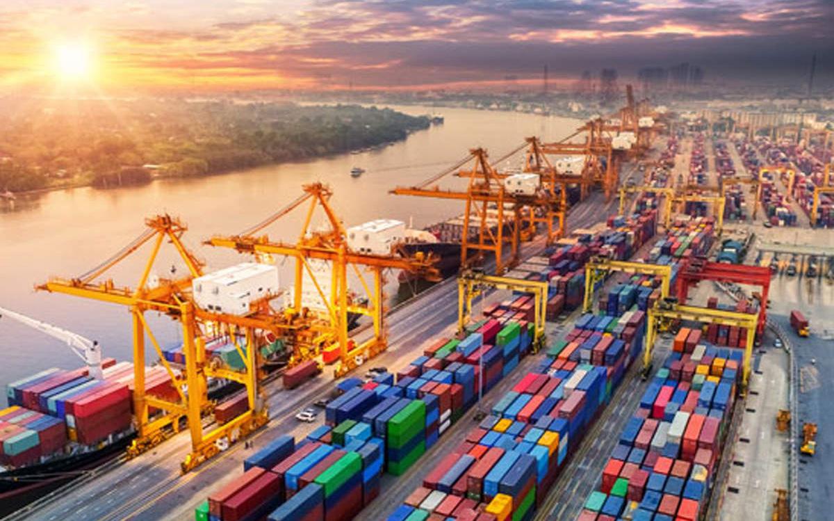 VnDirect dự báo xuất khẩu Việt Nam trong năm 2021 sẽ tăng 12% so với cùng kỳ