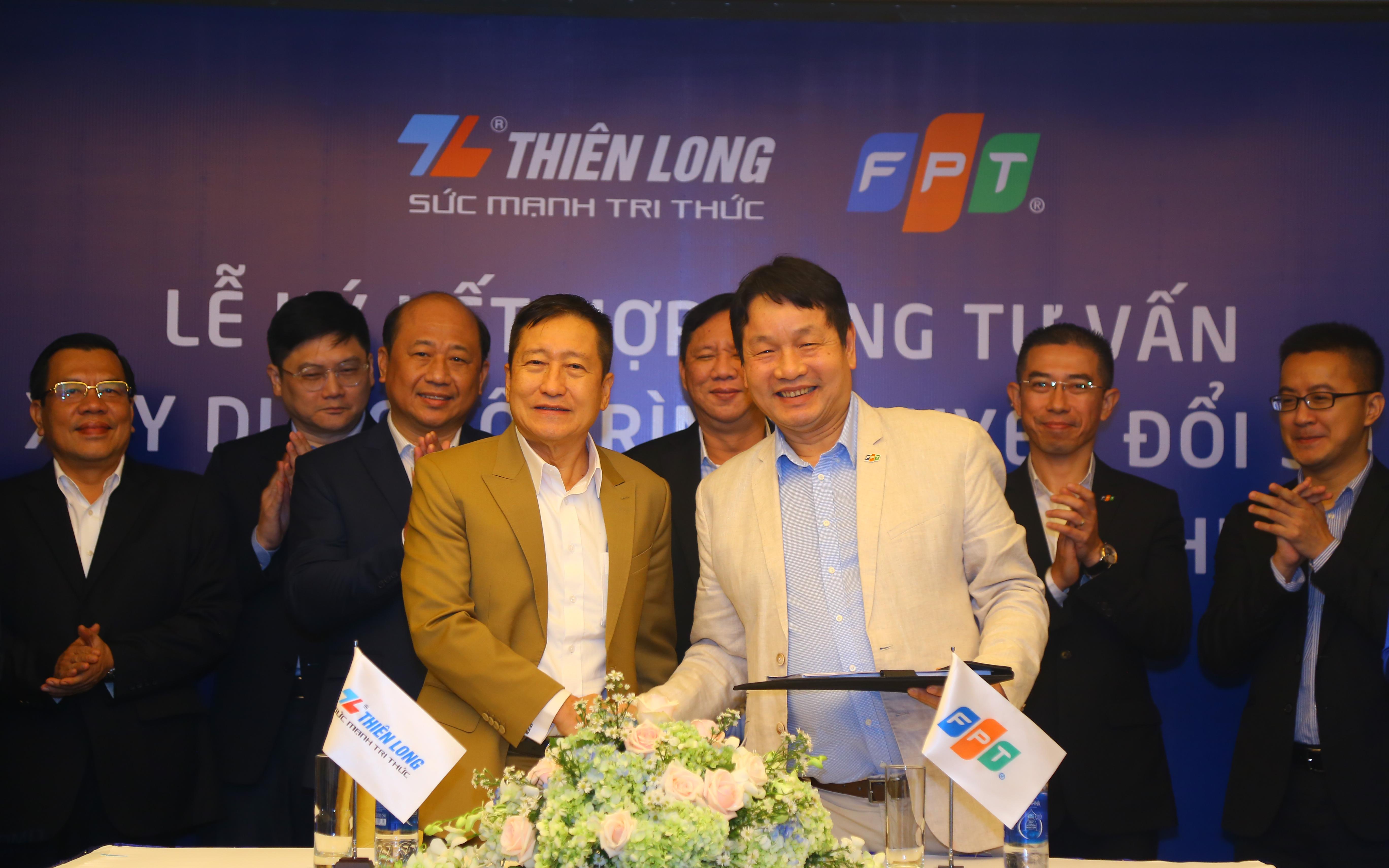 Nhắm mốc doanh thu Thiên Long 10.000 tỷ đồng trong 5 năm tới, ông Cô Gia Thọ nhờ ông Trương Gia Bình tư vấn chuyển đổi số
