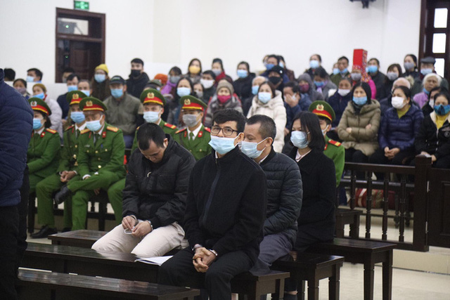 Phiên xử vụ Liên Kết Việt lừa đảo: Có tới 15 thẩm phán dự khuyết, hơn 6.000 bị hại được mời  - Ảnh 8.