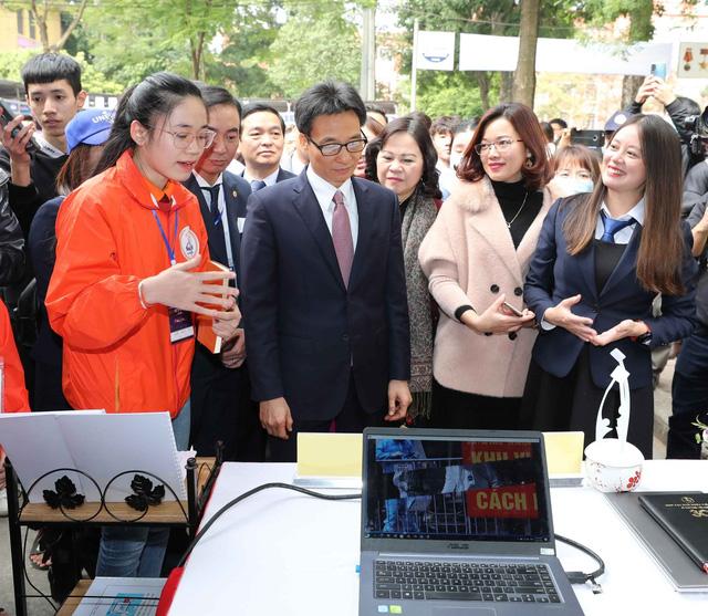 Phó Thủ tướng Vũ Đức Đam: Khuyến khích HSSV xây dựng mạng lưới chia sẻ ý tưởng khởi nghiệp - Ảnh 2.