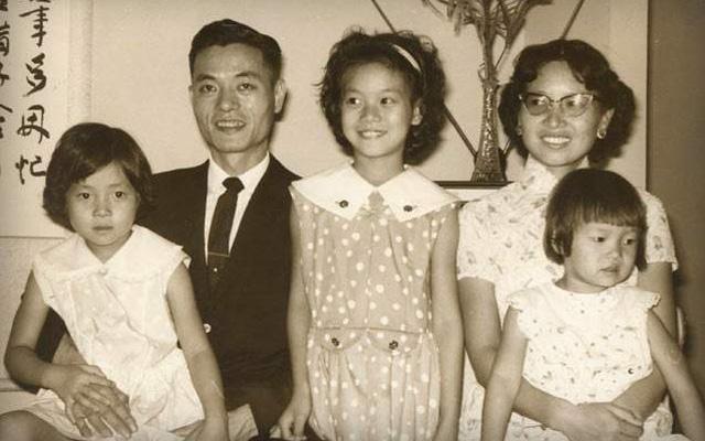 Cách dạy 6 người con gái trở nên xuất chúng của Vua tàu biển người Hoa: Độc lập, tự kỷ luật, yêu nhưng không chiều, nghiêm khắc nhưng không hà khắc...  - Ảnh 4.