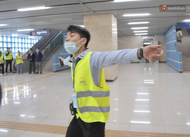 Ảnh: Diễn tập giả định cháy trên tàu và nhà ga tại dự án Cát Linh - Hà Đông - Ảnh 10.