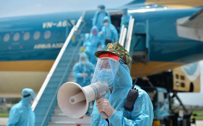 Nam tiếp viên Vietnam Airlines - Bệnh nhân 1342: Em rất hối hận, vì mình mà cả xã hội, cả nền kinh tế bị ảnh hưởng