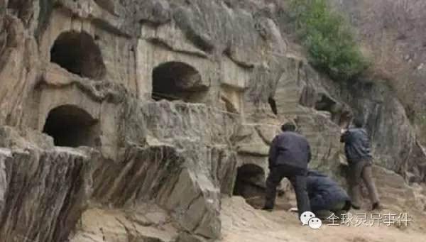 Rốt cuộc phong tục mộ Ngõa Quán thời cổ đại là gì và tàn nhẫn đến mức nào khi con cái phải tự tay chôn sống bố mẹ ruột của mình? - Ảnh 1.