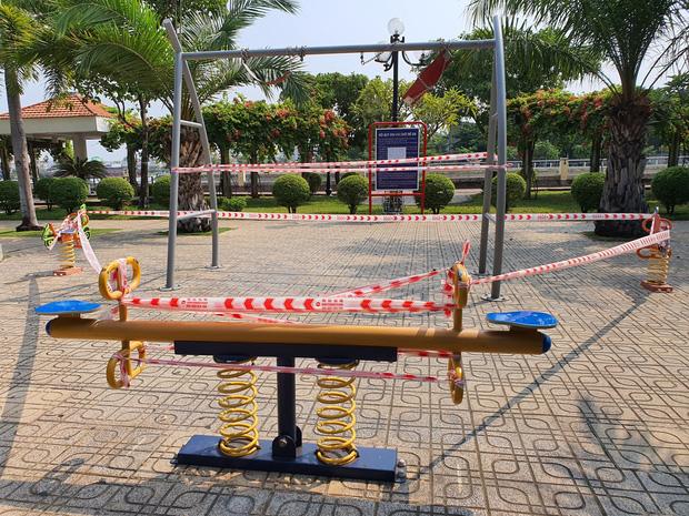TP.HCM: Các khu tập thể dục, khu trò chơi thiếu nhi tại công viên chính thức ngưng hoạt động để phòng dịch Covid-19 - Ảnh 1.