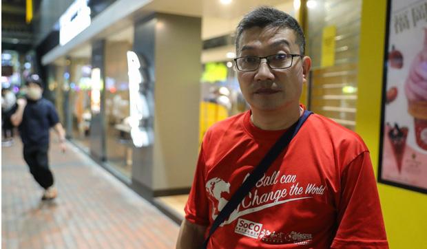 Chúng tôi còn biết đi đâu? - người vô gia cư Hong Kong mất nơi trú ẩn cuối cùng khi loạt cửa hàng McDonalds đóng cửa phòng dịch Covid-19 - Ảnh 2.