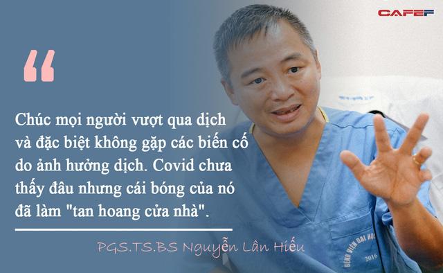 Gặp vấn đề sức khỏe trong mùa dịch Covid-19, khi nào cần đến bệnh viện gấp?: PGS.TS.BS Nguyễn Lân Hiếu cảnh báo bạn sẽ phải trả giá đắt nếu tặc lưỡi đợi dịch qua  - Ảnh 2.