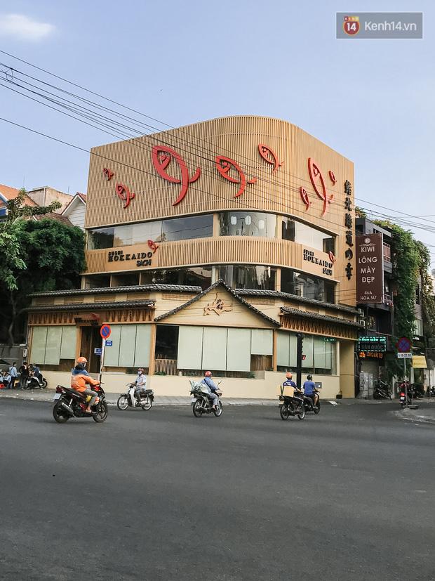 Quán xá Sài Gòn sau khi có lệnh tạm dừng hoạt động để chống dịch Covid-19: Nơi đóng cửa hàng loạt, chỗ lại tấp nập lạ thường - Ảnh 19.