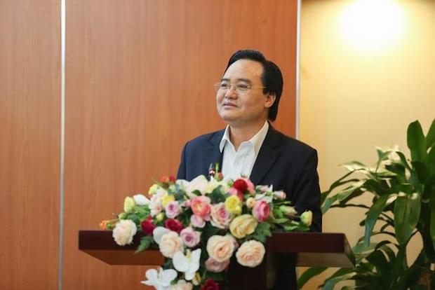 Bộ trưởng GD&ĐT: Sẽ đưa môn Công nghệ thông tin vào chương trình học bắt buộc - Ảnh 1.